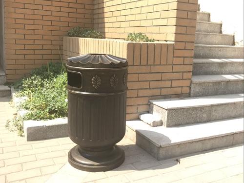 教你怎么定制景区垃圾桶及部件组成