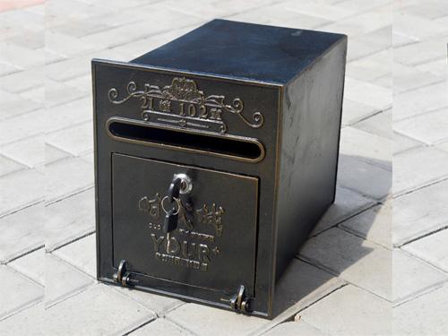 别墅信报箱在生活中的作用跟特性